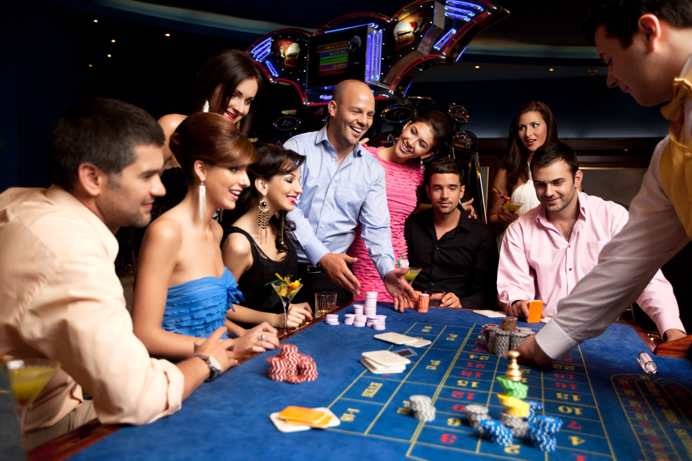 Smiling friends playing roulette.